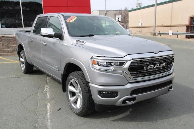 Pre-owned 2019 Ram RAM 1500 Crew Cab 4×4 (DT)